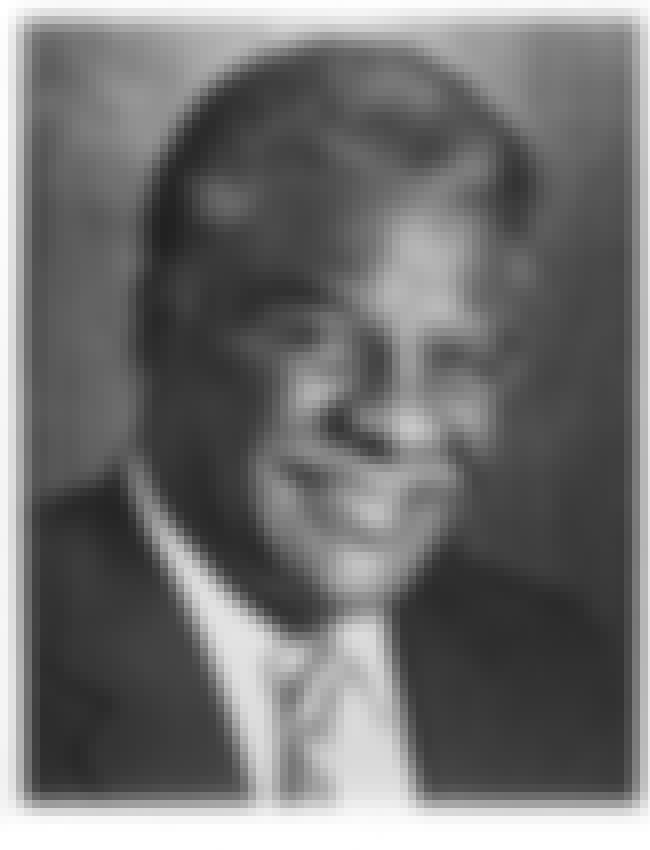 Harold Washington is listed (or ranked) 3 on the list Famous DuSable High School Alumni
