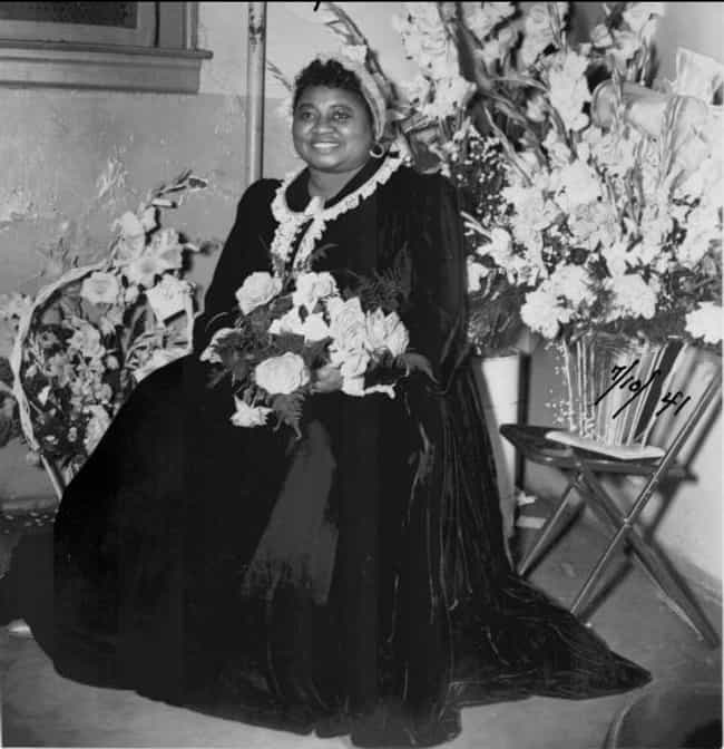Hattie McDaniel is listed (or ranked) 3 on the list Famous People Born in 1895
