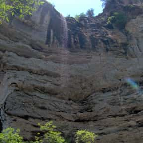 Hemmed-In-Hollow Falls is listed (or ranked) 3 on the list List of Waterfalls in the US