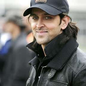 Hrithik Roshan is listed (or ranked) 2 on the list Full Cast of Zindagi Na Milegi Dobara Actors/Actresses