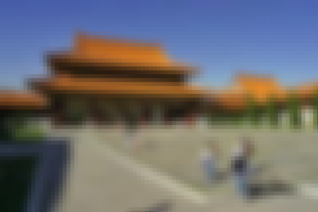 Hsi Lai Temple is listed (or ranked) 4 on the list Famous Chinese architecture buildings
