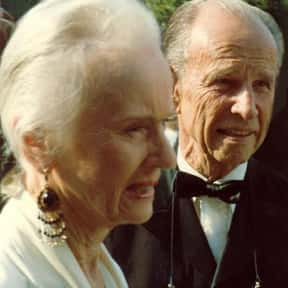 Hume Cronyn is listed (or ranked) 7 on the list Full Cast of The Pelican Brief Actors/Actresses