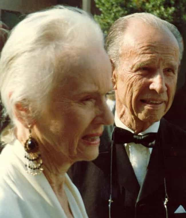 Hume Cronyn is listed (or ranked) 4 on the list Famous People Born in 1911