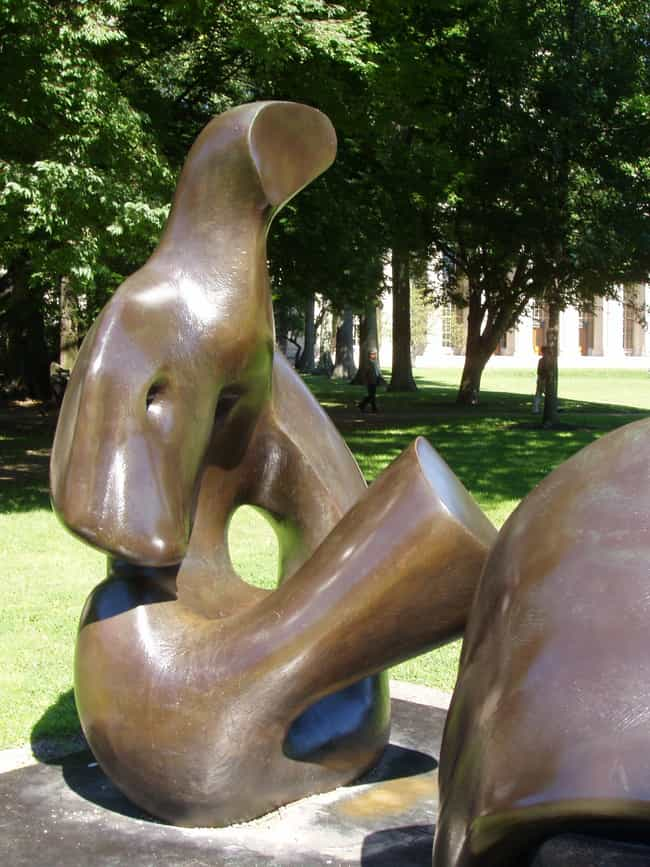 Three Piece Reclining Figure D... is listed (or ranked) 6 on the list List of Famous Abstract Art Sculptures