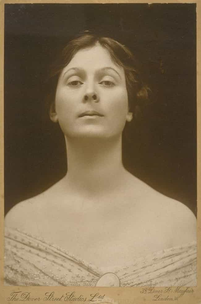 Isadora Duncan is listed (or ranked) 1 on the list Famous People Who Were Strangled to Death