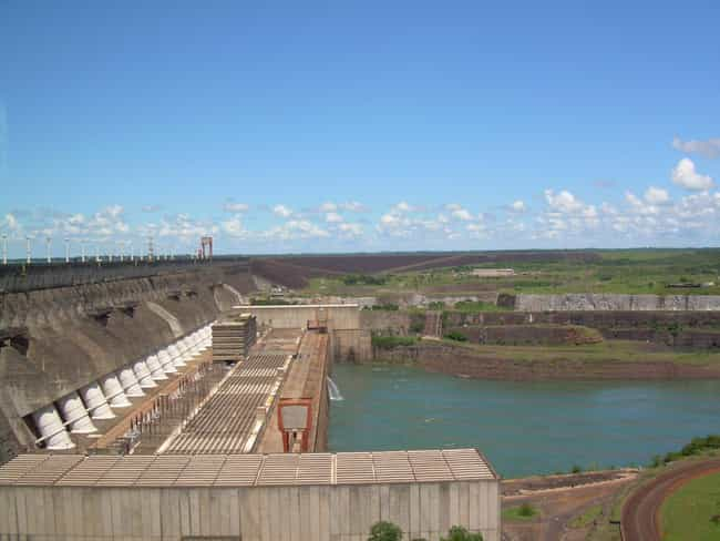 Itaipu Dam is listed (or ranked) 2 on the list Seven Wonders of the Modern World