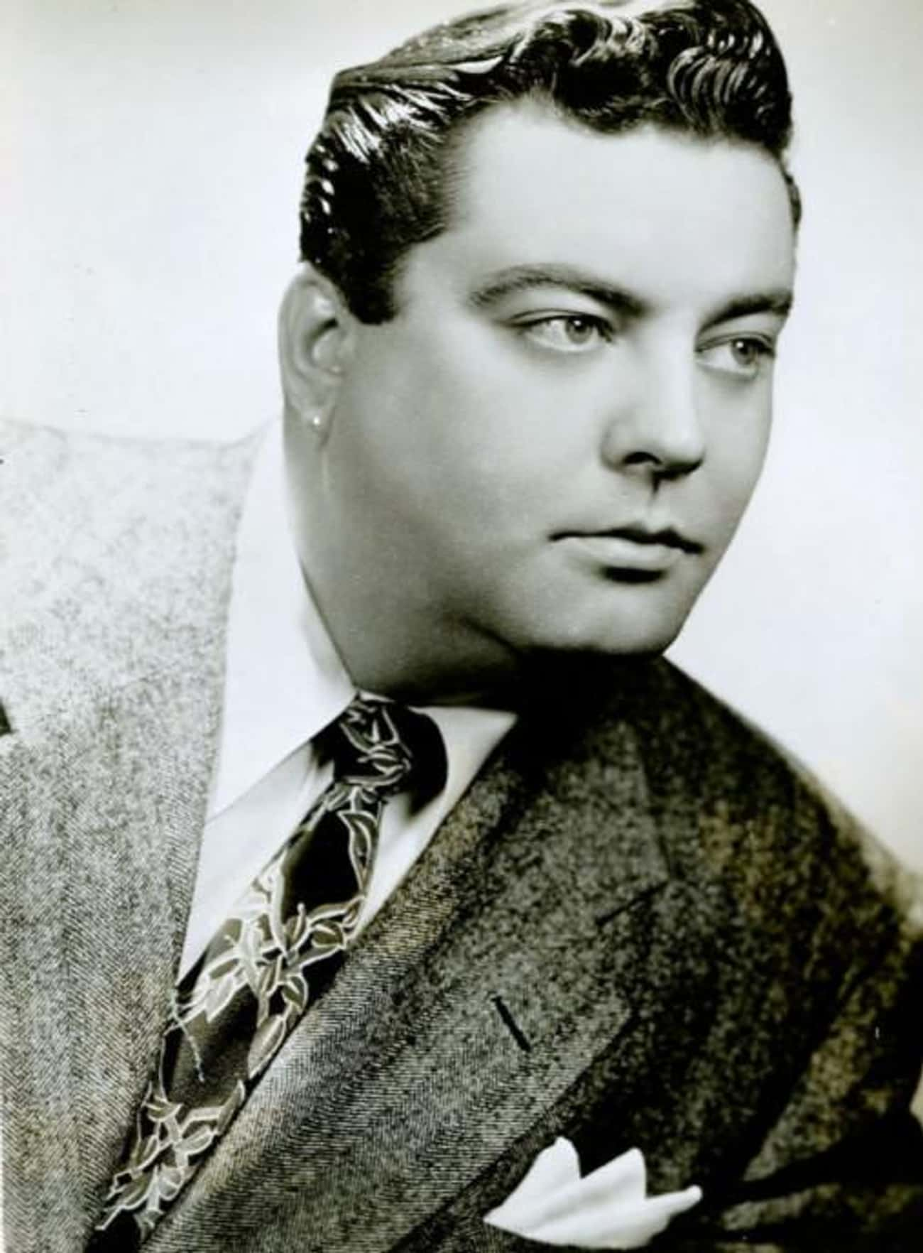 Jackie Gleason is listed (or ranked) 3 on the list The Honeymooners Cast List