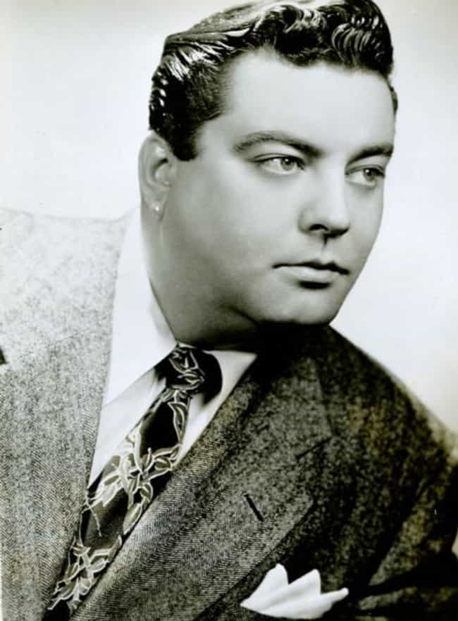 Jackie Gleason is listed (or ranked) 2 on the list Famous People Born in 1916
