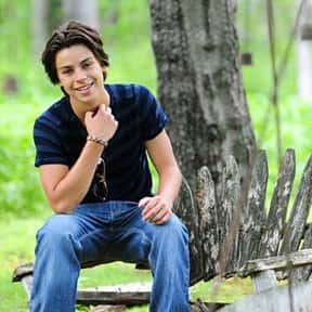 Jake T. Austin is listed (or ranked) 4 on the list Full Cast of Wizards Of Waverly Place: The Movie Actors/Actresses