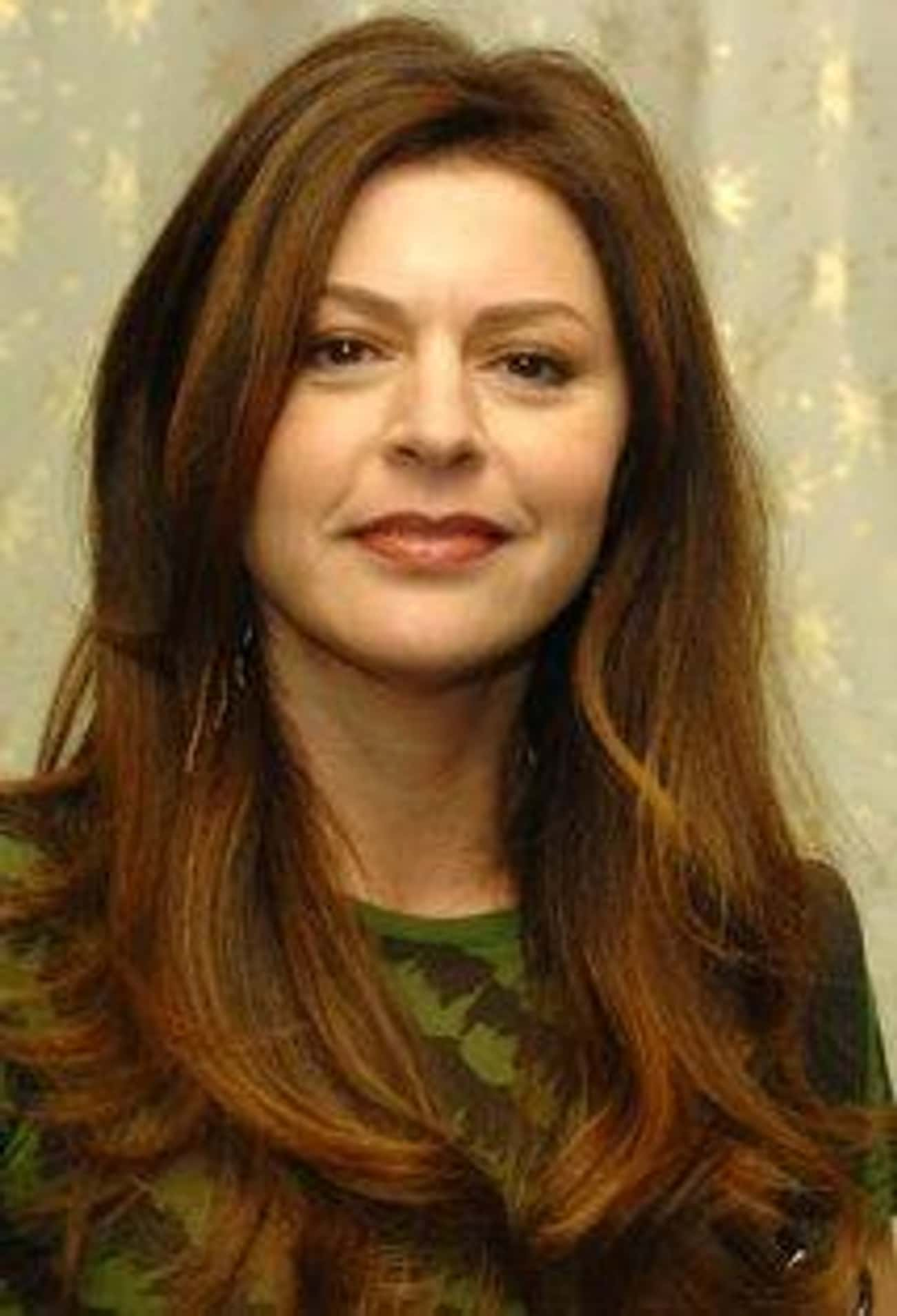 Jane Leeves is listed (or ranked) 3 on the list Hot in Cleveland Cast List