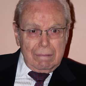 Javier Pérez de Cuéllar is listed (or ranked) 13 on the list Jawaharlal Nehru Award Winners List