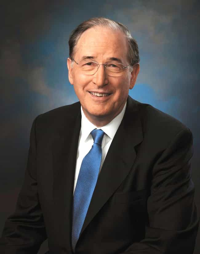 Jay Rockefeller is listed (or ranked) 4 on the list Members of the Rockefeller Family