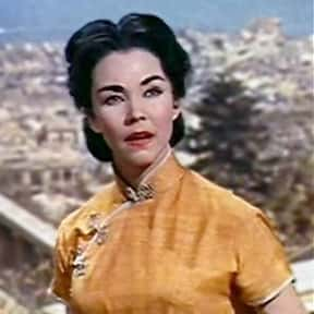 Jennifer Jones is listed (or ranked) 10 on the list Full Cast of The Towering Inferno Actors/Actresses