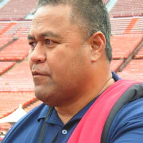 Jesse Sapolu is listed (or ranked) 9 on the list List of Famous Football Centers