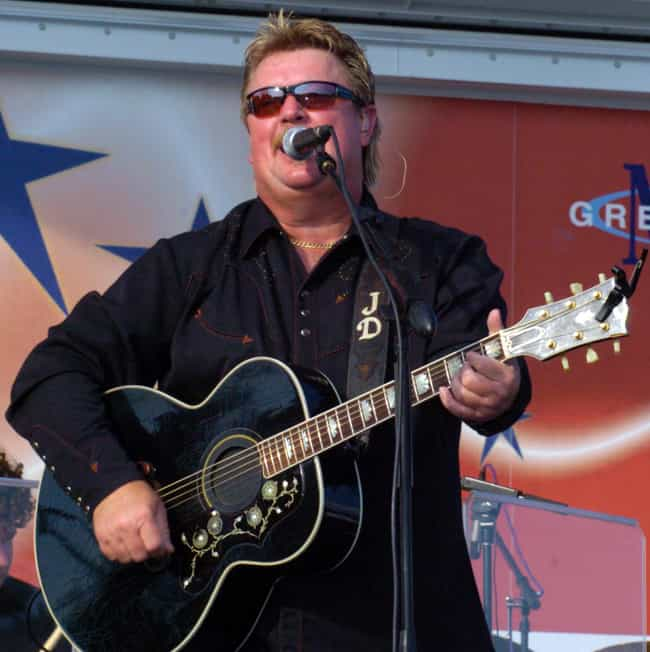 Joe Diffie is listed (or ranked) 2 on the list Famous Cameron University Alumni