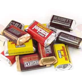 Hershey's Miniatures is listed (or ranked) 4 on the list The Best Hershey Bar Flavors