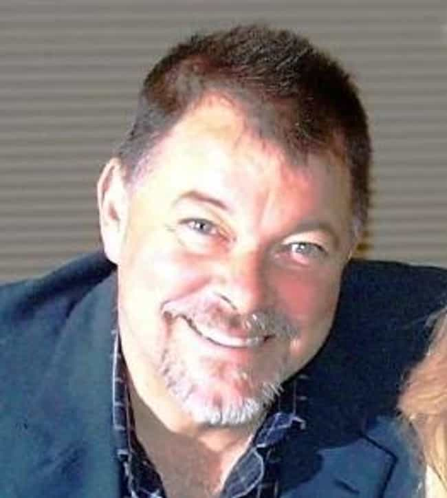 Jonathan Frakes is listed (or ranked) 1 on the list Famous Liberty High School Alumni