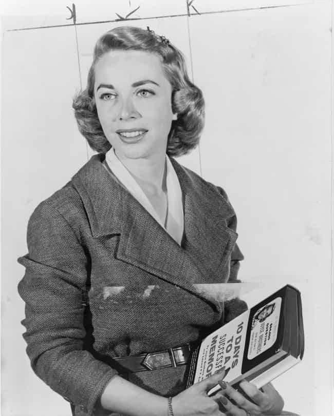Joyce Brothers is listed (or ranked) 1 on the list Famous Female Psychologists