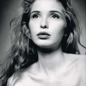 Julie Delpy is listed (or ranked) 4 on the list Full Cast of Waking Life Actors/Actresses