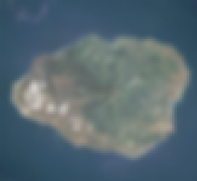 Kauai is listed (or ranked) 2 on the list The Hawaiian Islands