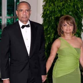 Kenneth I. Chenault is listed (or ranked) 12 on the list Famous Harvard Law School Alumni