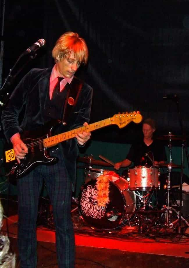 Kula Shaker is listed (or ranked) 3 on the list The Best Raga Rock Bands/Artists