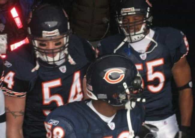 Lance Briggs is listed (or ranked) 2 on the list Famous Elk Grove High School Alumni