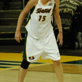 Lauren Jackson is listed (or ranked) 17 on the list Famous Macquarie University Alumni