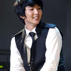 Lee Joon-gi is listed (or ranked) 19 on the list The Best Ballad Bands/Artists