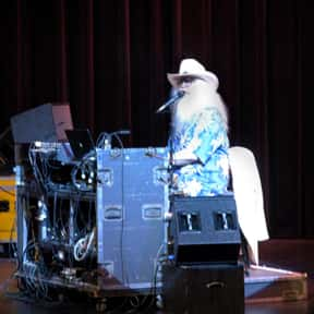 Leon Russell is listed (or ranked) 12 on the list Famous People Whose Last Name Is Russell