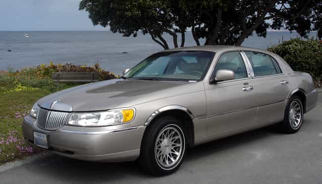 Lincoln Town Car is listed (or ranked) 4 on the list Full List of Lincoln Models