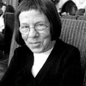 Linda Hunt is listed (or ranked) 10 on the list Full Cast of Yours, Mine And Ours Actors/Actresses