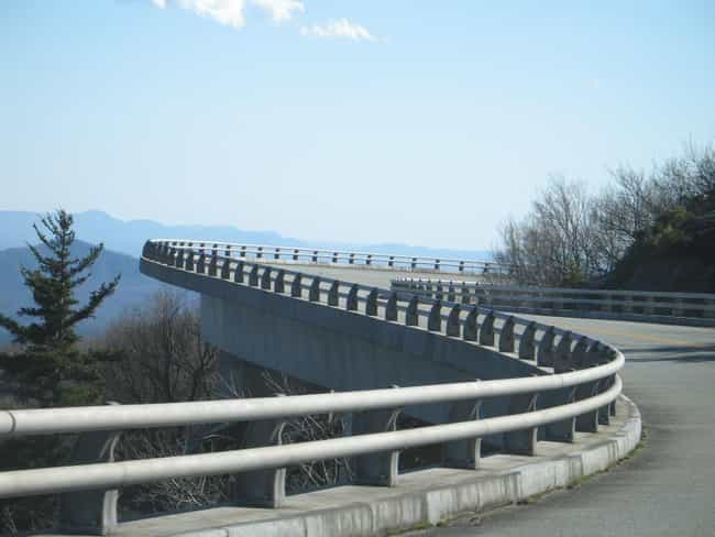 Linn Cove Viaduct is listed (or ranked) 4 on the list Bridges in North Carolina