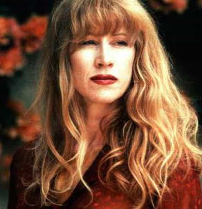 Loreena McKennitt is listed (or ranked) 1 on the list Famous Female Harpists
