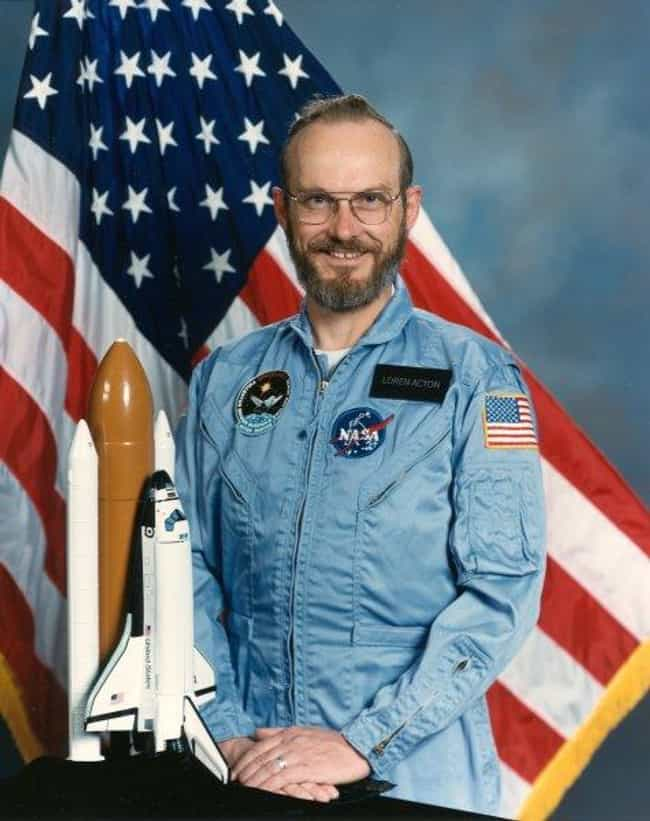 Loren Acton is listed (or ranked) 2 on the list Male Space Travelers: A Complete List