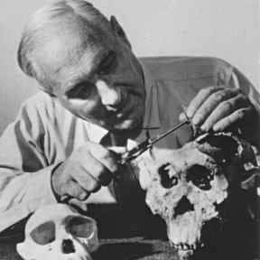 Louis Leakey is listed (or ranked) 13 on the list List of Famous Zoologists