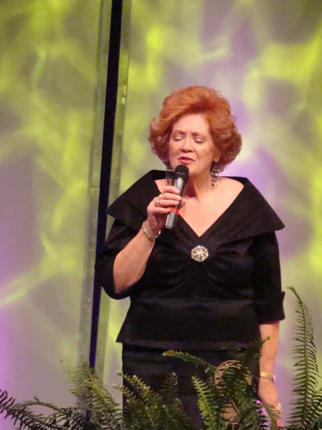 Lulu Roman is listed (or ranked) 4 on the list Hee Haw Cast List