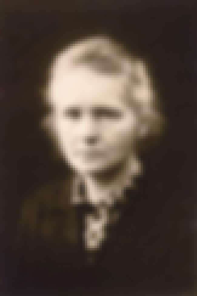 Marie Curie is listed (or ranked) 2 on the list Famous Female Chemists