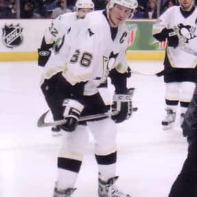 Mario Lemieux is listed (or ranked) 1 on the list Famous Hockey Players from United States of America