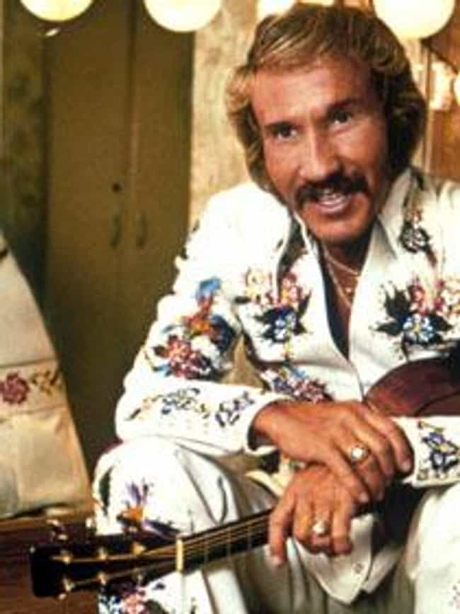 Marty Robbins is listed (or ranked) 3 on the list Famous Guitarists from Arizona