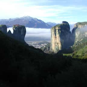 Cliffs of Meteora is listed (or ranked) 25 on the list The Most Beautiful Natural Wonders In The World