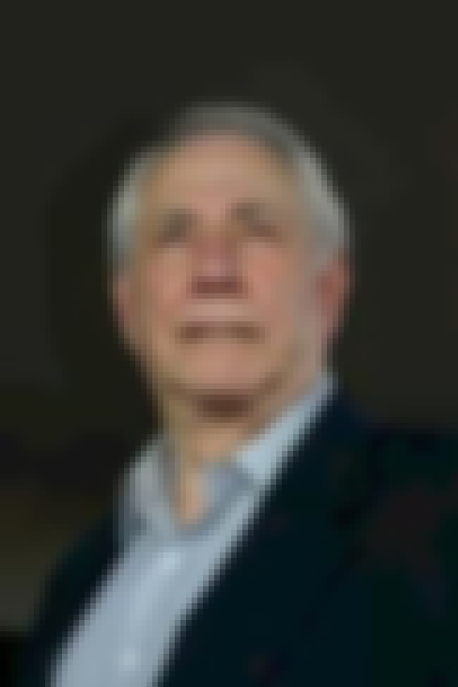 Mike Gravel is listed (or ranked) 1 on the list Famous American International College Alumni