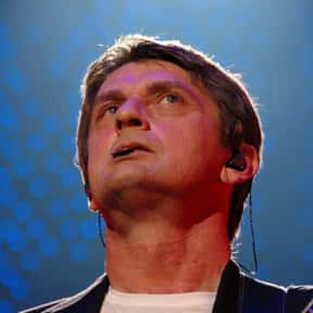 Mike Oldfield is listed (or ranked) 10 on the list Famous Guitarists from England