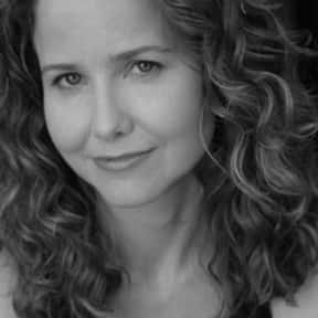Molly Hagan is listed (or ranked) 5 on the list Full Cast of Playing Mona Lisa Actors/Actresses