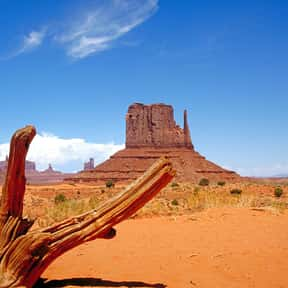 Monument Valley is listed (or ranked) 22 on the list The Best Tourist Attractions in America