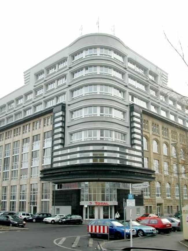 Mossehaus is listed (or ranked) 4 on the list List of Erich Mendelsohn Architecture