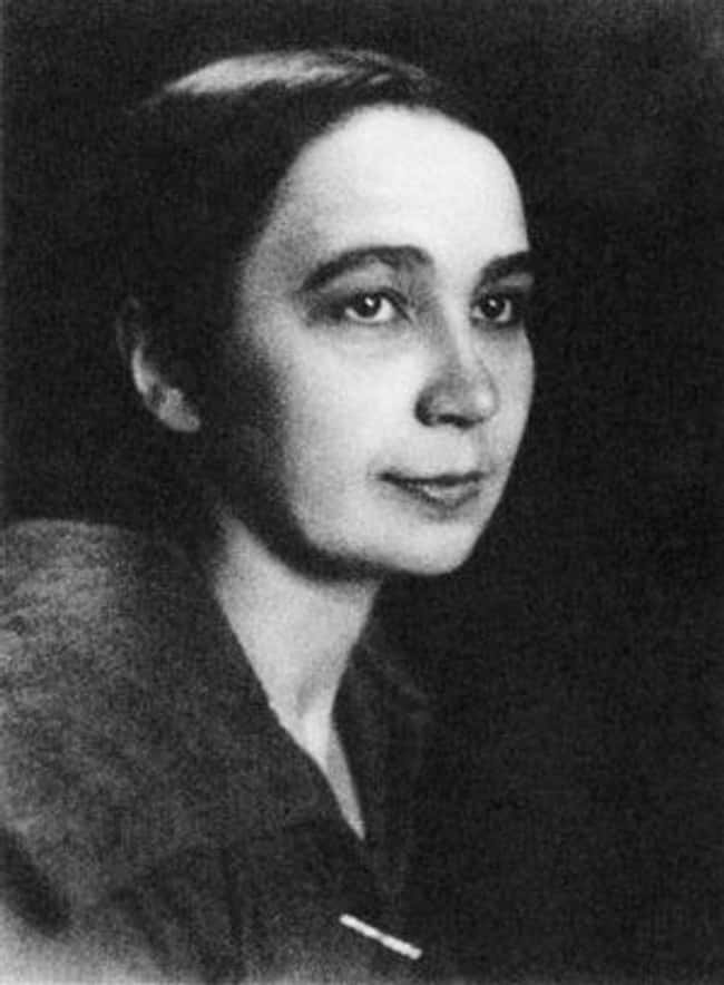 Natalia Goncharova is listed (or ranked) 17 on the list Famous Cubist Artists, Ranked