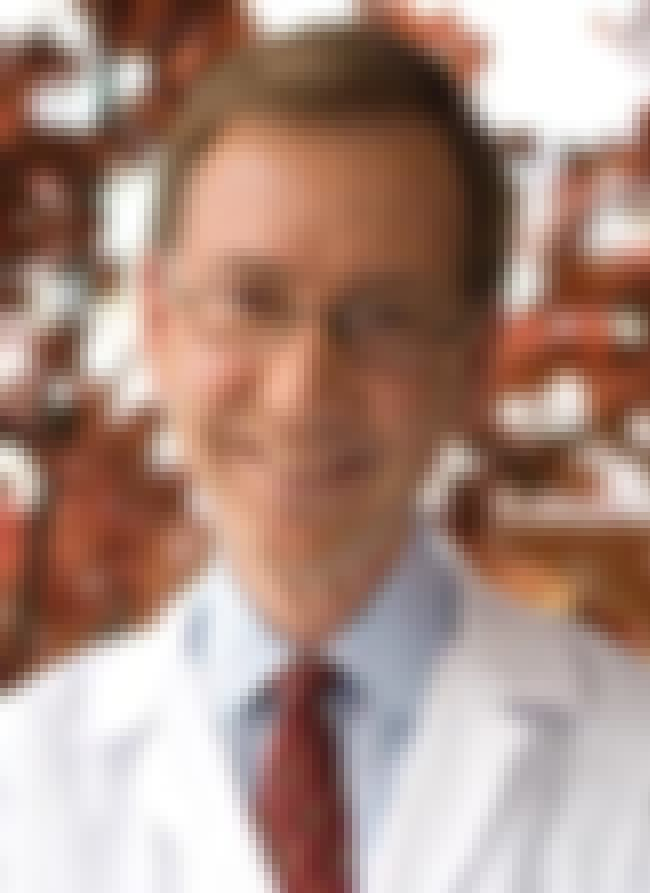 Nicholas J. Vogelzang is listed (or ranked) 2 on the list Famous University Of Illinois College Of Medicine Alumni