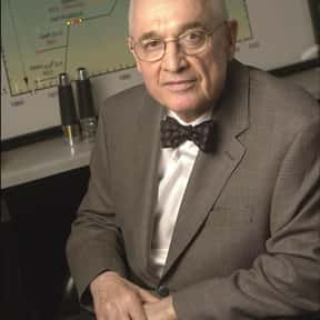 Nick Holonyak is listed (or ranked) 16 on the list Famous Physicists from the United States
