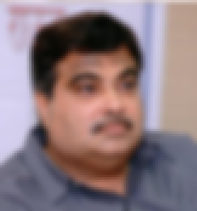 Nitin Gadkari is listed (or ranked) 4 on the list Famous University Of Nagpur Alumni